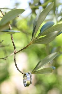 drzewko oliwne, ślub w stylu boho, rustykalnym, obrączki